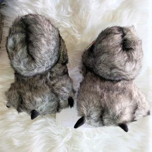 Cat & Jack Toddler Bear Claw Slippers